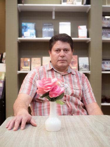 Juan Crespo (Mike Muniz)