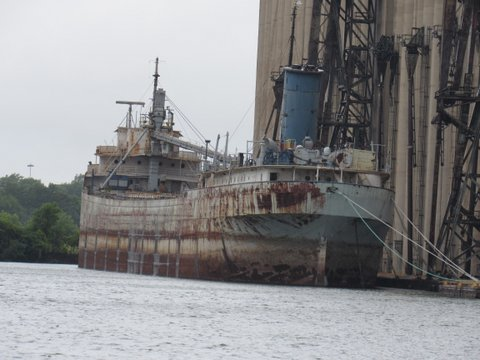 The empty docked barge at the Illinois International Port District (Courtesy Ders Anderson)